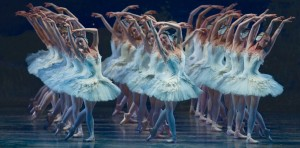 Swan-Lake-_passion-theater-3